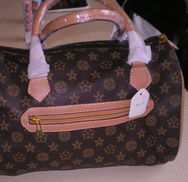 louis-vuitton-counterfeit-bag